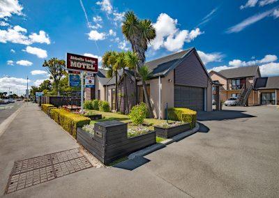 Abbella-Lodge-Motel-front