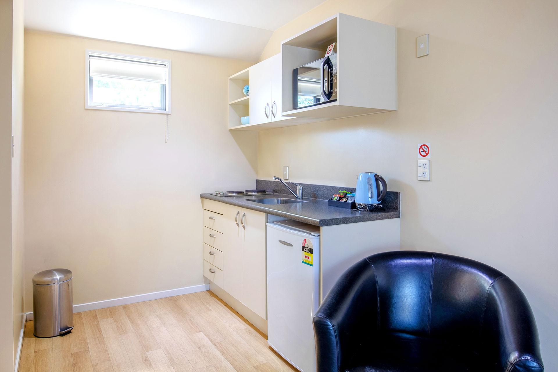 Spa_Bath_Studio_room_kitchen